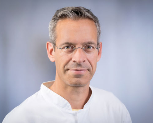Dr. med.<br />Stefan Nestoris, MPH