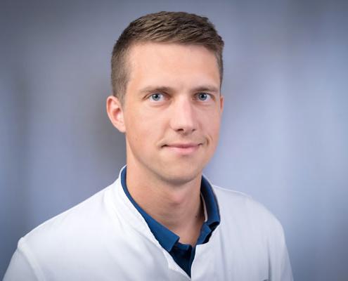 Dr. med.</br>Tobias Penner
