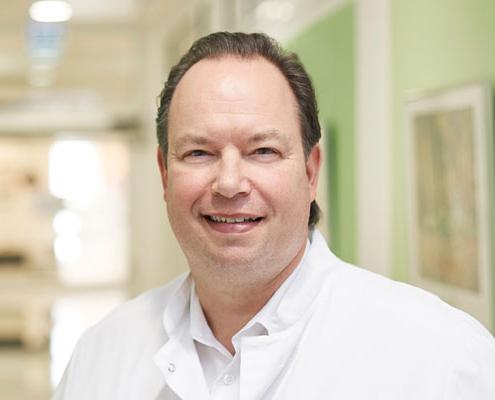 Dr. med.<br />Maik Brandes