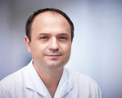 Dr. med.<br />Kacper Krempa