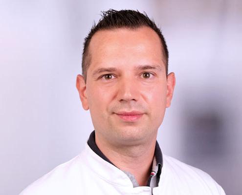 Dr. med.</br>(Univ. Kragujevac)</br>Nikola Bilcarevic
